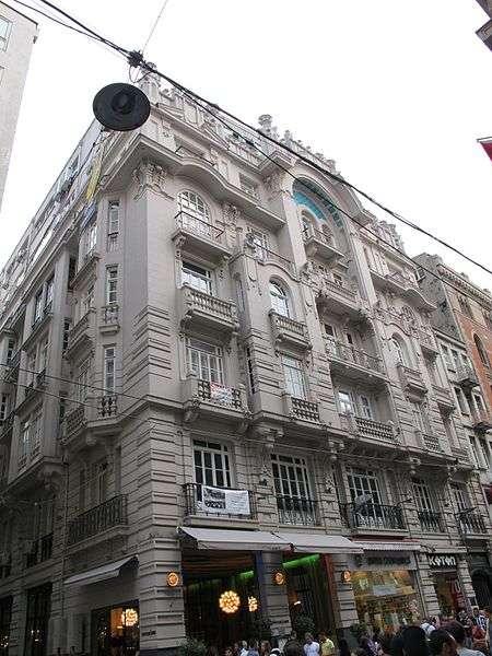 Mısır Apartmanı | Art Nouveau Mimari Stilde Yapılmış Olan İstanbul – Beyoğlu İlçesinde Bul..